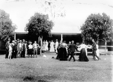 A quadrille outside Lions Den Hotel, Qld, 1910